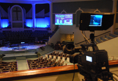 Install audiovisual equpment
